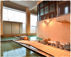 The hot spring is rich enough to melt even nails and slowly warms your body slowly when cold.