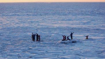 【網走発着】流氷船&流氷ウォーク!往復バス&知床ウトロ温泉&流氷体験2日間