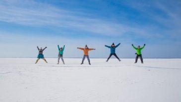【帯広発ウトロ着】ジュエリーアイスと別海・氷平線 阿寒湖泊2日間