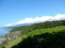 断崖と海を眺める!知床の森ウォーク
