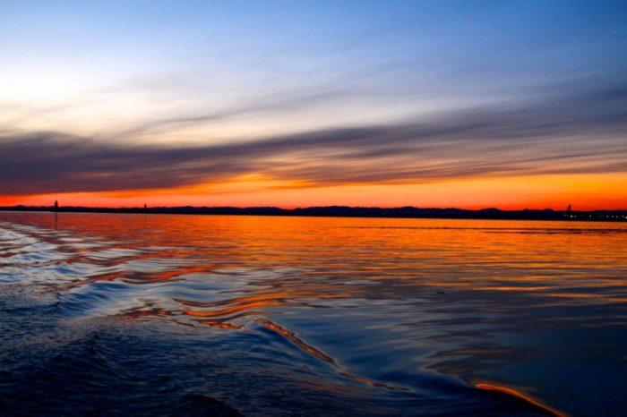 <日没1時間前出航>釧路サンセットクルーズ【SEA CRANE(シークレイン)】