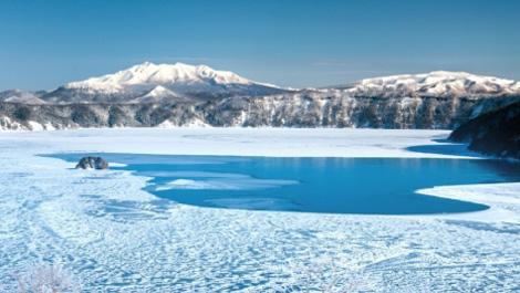 数年に一度の奇跡、摩周湖の結氷と霧氷。