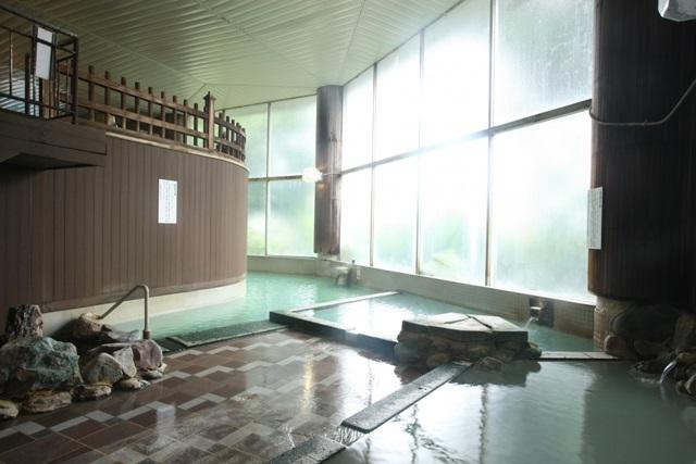 【阿寒湖温泉発→知床ウトロ行】川湯温泉1泊コース|紅葉の川湯温泉に泊まる