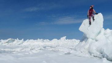 【網走発着】大人気の流氷ウォークin知床!バス&ウトロ宿泊&流氷体験セットプラン(2泊3日)